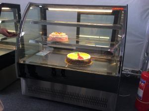 Commercial Cake Showcase Pastry Chiller Refrigerator with Ce, CB, Saso pictures & photos