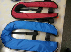 Solas Standard 150n Inflatable Life Vest 275n Waterproof Lifejacket with Good Price pictures & photos
