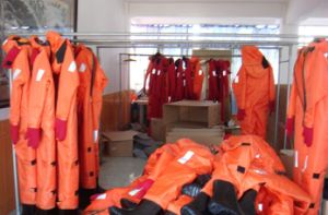 Solas Marine Ship Insulated Immersion Suit with Whistle/Light pictures & photos