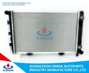 Auto Radiator for Benz W201/190e′ 82-93 at (KJ-40013) pictures & photos