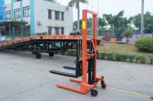 Hydraulic Hand Stacker and Lift Stacker with Certificates pictures & photos