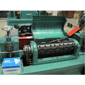 Made in China High Speed Wire Straightening Machine pictures & photos