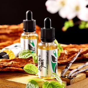 Living as Summer Flower/Mint and Tobacco Flavor/ Electronic Cigarette Liquid/ E Liquid pictures & photos