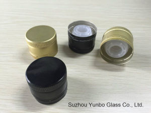Aluminum Screw Cap with Pour Insert for Oilve Oil Bottles pictures & photos