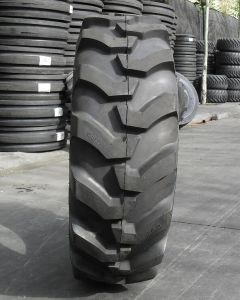Bias Nylon Agricultural Farm Tire Industrial Tire Backhoe Tire 19.5L-24 17.5L-24 R4pattern pictures & photos