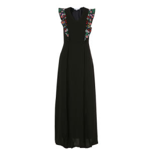 Black Sleeveless Pleated Long Women Dress with Embroidery Stitching pictures & photos