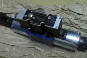 Hydraulic Valve Proportional Directional Control Valve 4wree10e75-22/G24k31/A1V pictures & photos
