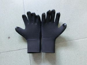Diving Neoprene Swimming Gloves / Diving Gloves/Hunting Gloves / Fishing Gloves pictures & photos