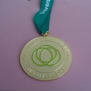High Quality University Metal Gold Souvenir Medals pictures & photos