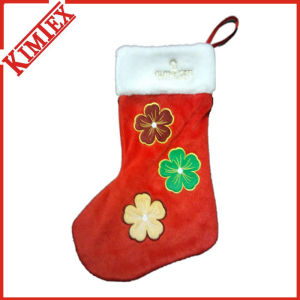Customized Promotion Embroidery Cheap Christmas Socks pictures & photos