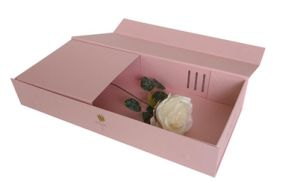 High Quality Pink Colour Flower Foldable Gift Box (YY-F0002) pictures & photos