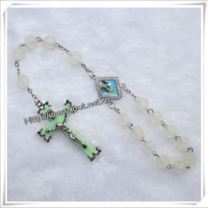 Religious Wholesale Luminous Rose Beads Car Rosary (IO-CB007) pictures & photos