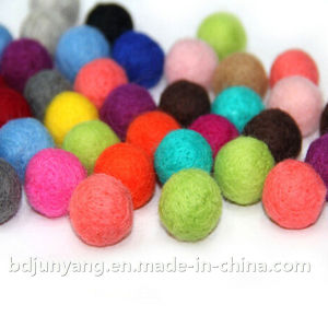Wool Craft Felt Ball Christmas Decoration pictures & photos