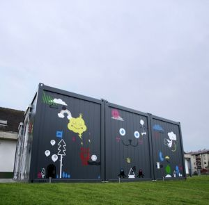 Flat Packed and Modern Design Container Houses for Sale pictures & photos