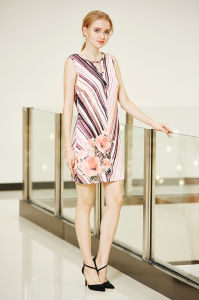 Sleeveless Ponte Shift Dress with Digital Placement Print pictures & photos