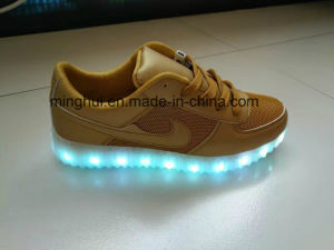Comfortable Leisure Sports Shoes LED Shoes pictures & photos