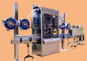12, 000bph Pet PVC Shrinking Sleeve Labeling Machine pictures & photos