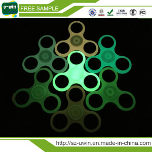 Wholesale Finger Hand Spinner Plastic Fidget Spinner pictures & photos