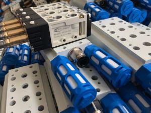 Mindman Pneumatic Solenoid Valve Directional Valve 4s210-08 pictures & photos
