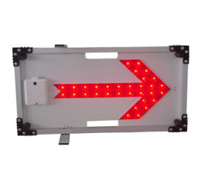 Red LED Flashing Right Arrow Traffic Sign pictures & photos
