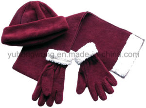 Cheap Winter Warm Lady Knitting Polar Fleece Set pictures & photos