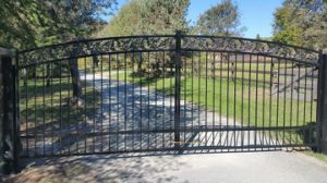 High Quality Galvanized Wrought Iron Gate pictures & photos