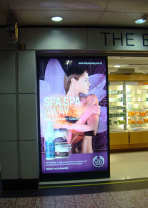 Shopping Mall Advertising Aluminium Material Frame Slim LED Light Box pictures & photos