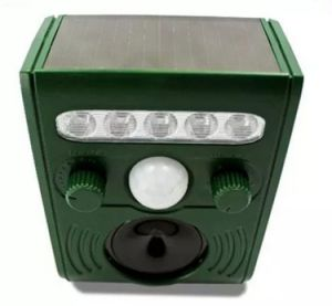 Good Quality Solar Animal Repeller pictures & photos
