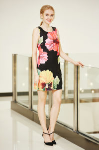 Latest New Fashion Digital Placement Printing Dress in Big Flower Pattern