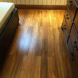 Solid Wood Flooring/Iroko Wood Floor/ Okan Handscraped Hardwood Flooring pictures & photos