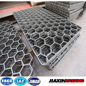 High-Quality Heat Treatment Fixture Cast Tray pictures & photos