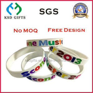 Debossed Logo with Coloring Silicon Wristband/Hand Band/Silicone Wrist Band pictures & photos