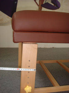 Deluxe Stationary Wooden Massage Table (SM-002) pictures & photos