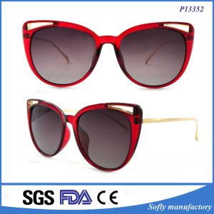 Italy Design Ce UV400 Cat Eye Women Sunglasses Polarized Mirror pictures & photos