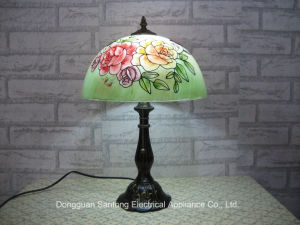 Rose Design Modern Tiffany Table Lamps with Glass Shades pictures & photos