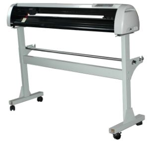 630mm Vinyl Cutting Plotter with CE pictures & photos