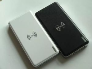 2015 Newest Dual USB 10000mAh Power Bank with Two USB Output pictures & photos