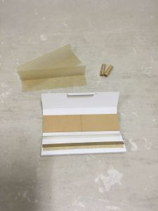 Best Choosing Customer 18GSM Smoking Rolling Paper pictures & photos