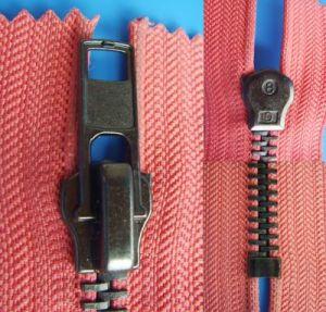 No. 8 Auto Lock Close End Anti Nickel Zipper pictures & photos