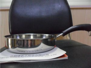 Factory Wholesale Low Price Double Bottom Cookware Pot pictures & photos