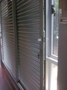 Alumnium Glass Louver/Shutter Window pictures & photos