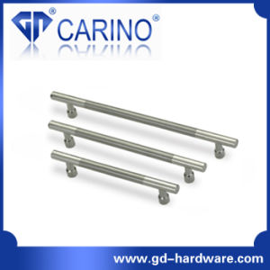 Stainless Steel Door Pull Handles and Knobs Furniture Handle (GD2067) pictures & photos