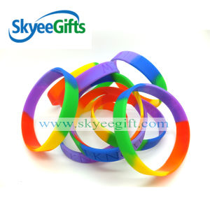 Custome Segment Color and Debossed Silicone Wristband pictures & photos