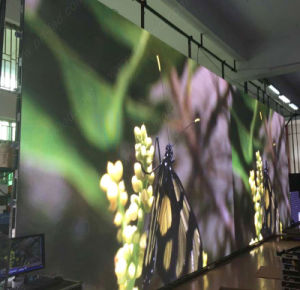 Hot Sale P4 Indoor Video Advertising LED Panel (512*512mm die-casting Aluminum) pictures & photos