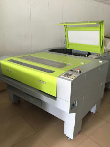Laser Cutting and Engrave Machine for Fabric Cutting, Shoes Material pictures & photos
