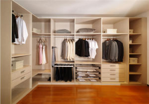 Luxury Design White Solid Wood Walk in Wardrobe pictures & photos