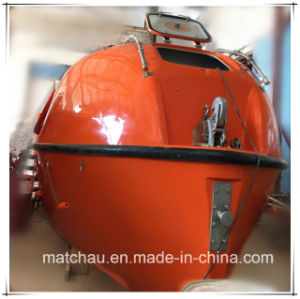 China Hot Sale FRP Partially Enclosed Lifeboat Rescue Boat pictures & photos