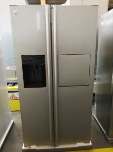 Sang Brand Side by Side Refrigerator with Water Dispenser pictures & photos