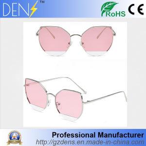 Classic Designer Women Retro Shades Eyewear Fashion Cat Eye Sunglasses pictures & photos