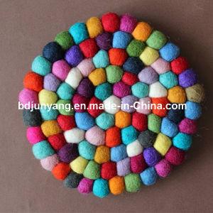 Felt Ball Christmas Garland Placemat Coaster Handmade Felt Ball pictures & photos